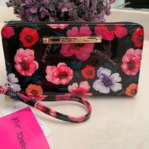NEW BETSEY JOHNSON floral wallet/wristlet